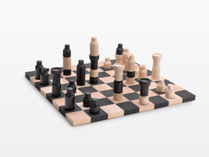 <p><strong>Florian Hauswirth</strong>, Democratic Chess Set, 2012</p>